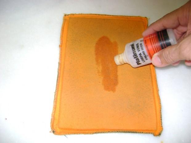 Almofada com o lado específico para uso do vinil