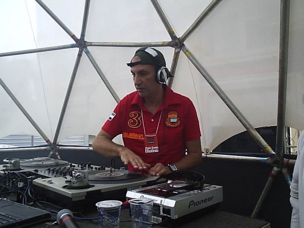 Gil agora DJ profissional
